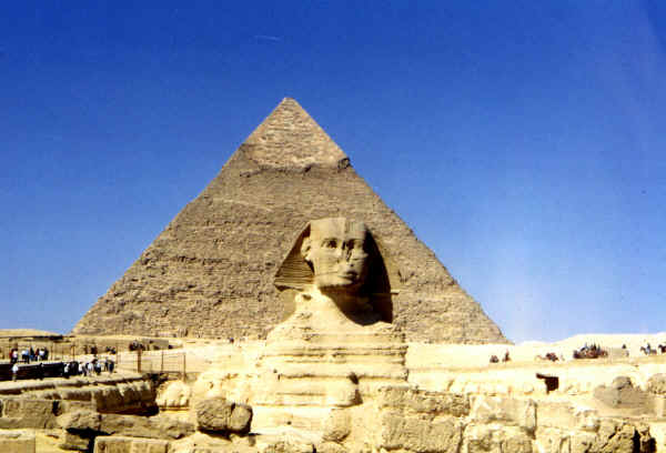 Sphinx_and_Pyramid